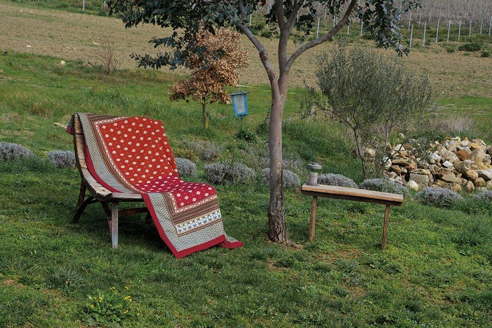 scansano bassetti plaid. Black Bedroom Furniture Sets. Home Design Ideas