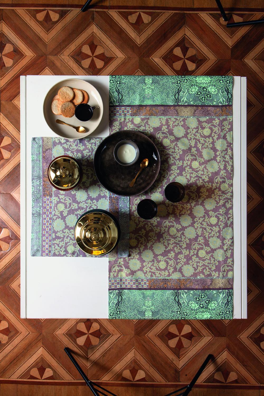 lacca bassetti tischw sche. Black Bedroom Furniture Sets. Home Design Ideas