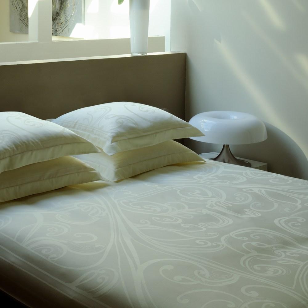 majorelle ivoire garnier thiebaut bettw sche einfach wohlf hlen. Black Bedroom Furniture Sets. Home Design Ideas
